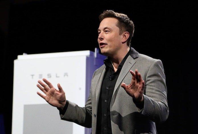 Γιατί ο Elon Musk Είναι Καλύτερος Marketer Από τον Steve Jobs;