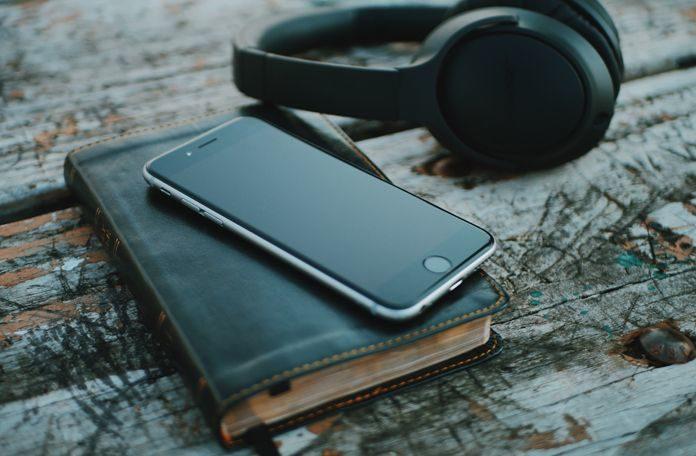 4 Eμπνευσμένα Podcast για Ανήσυχους Marketers και Entrepreneurs